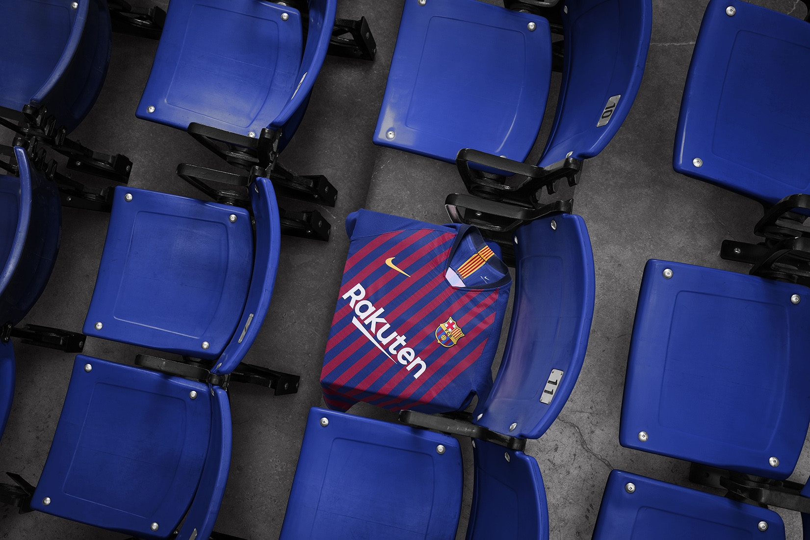 91ea90d5797 FC Barcelona Celebrates the City With 2018-19 Home Kit. 1 ...